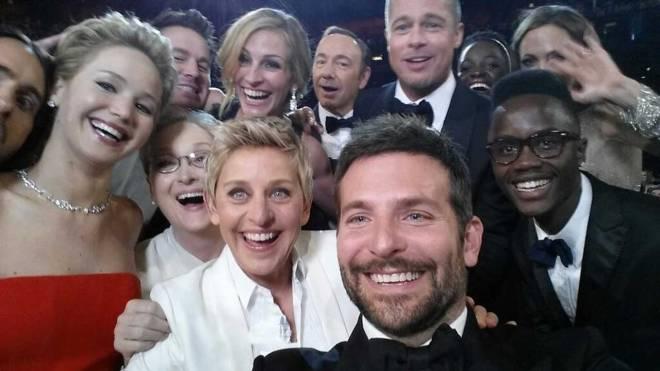Ellen-DeGeneres-Academy-Award-Twitter-Oscar-Selfie-Photo